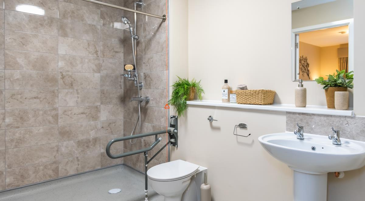 Willow Court – two bed apt – Bathroom/Wet-room